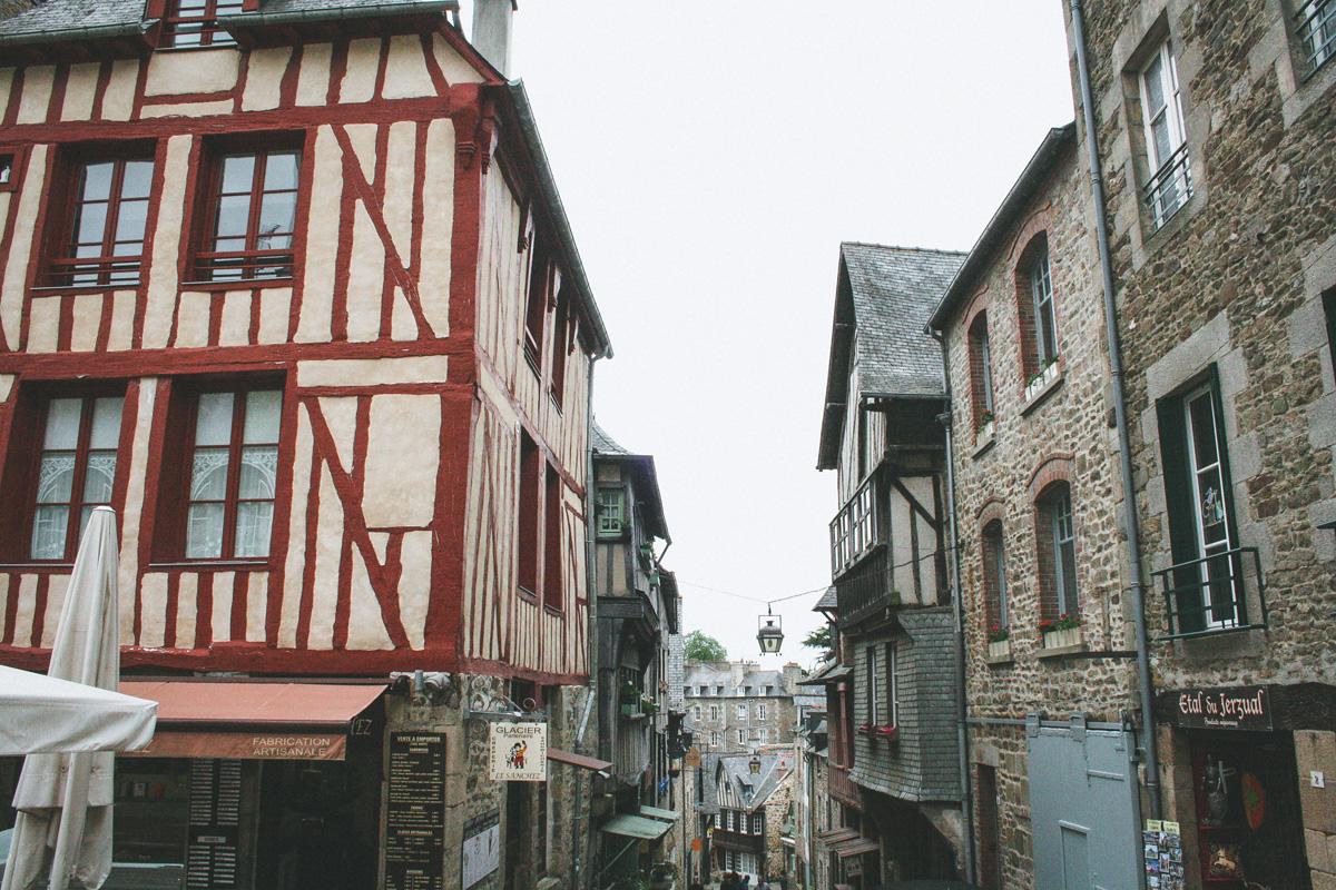 dinan-debut-rue