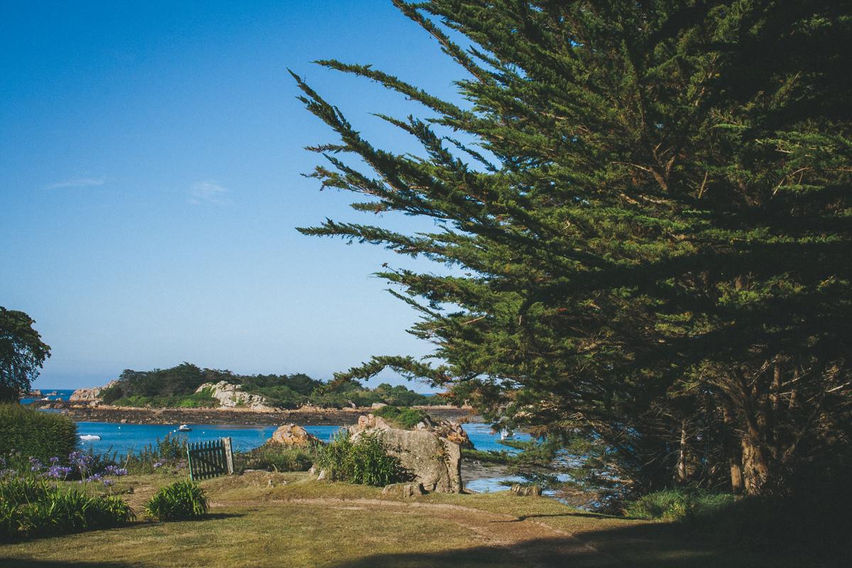 ile-de-brehat-jardin-vue-mer