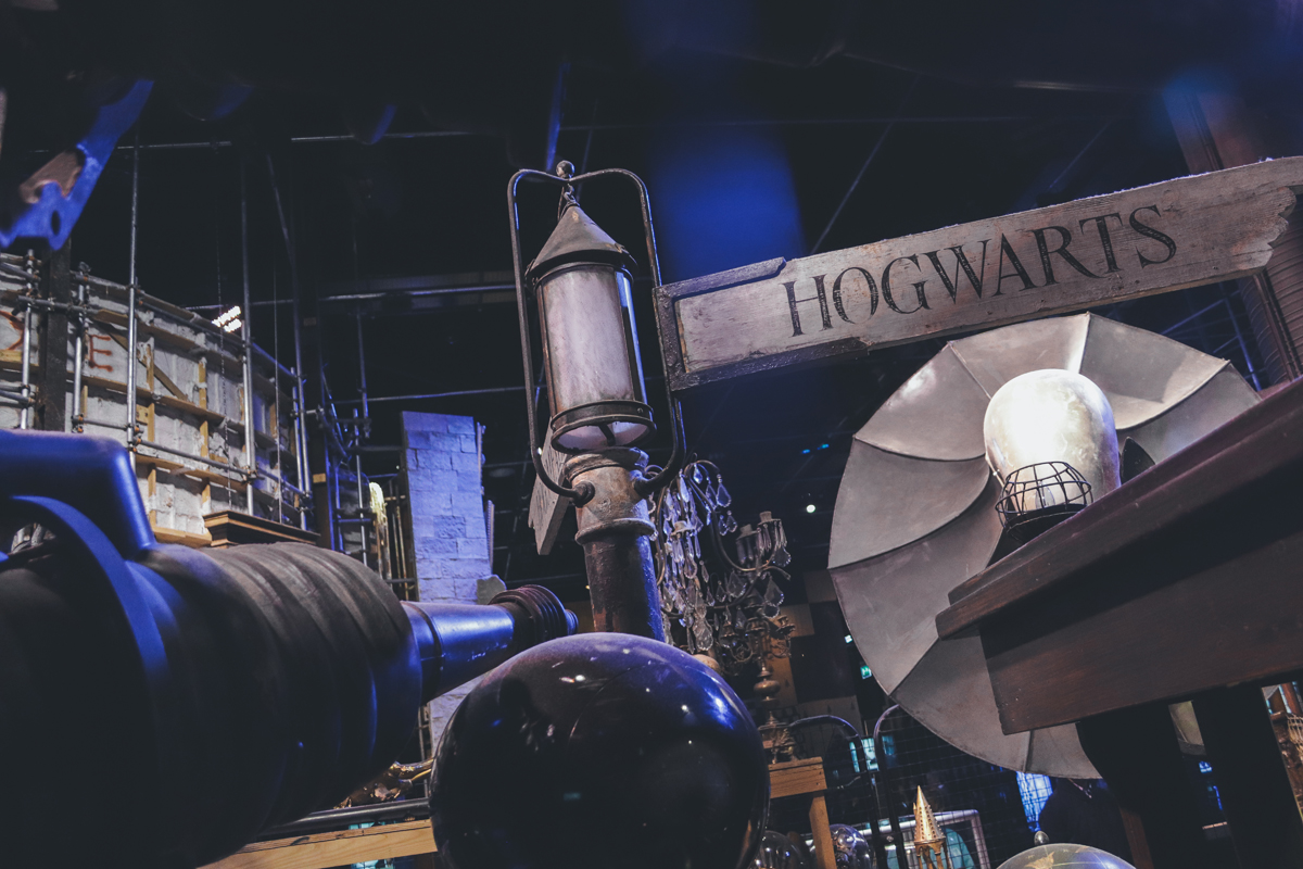 studio harry potter panneau hogwarts