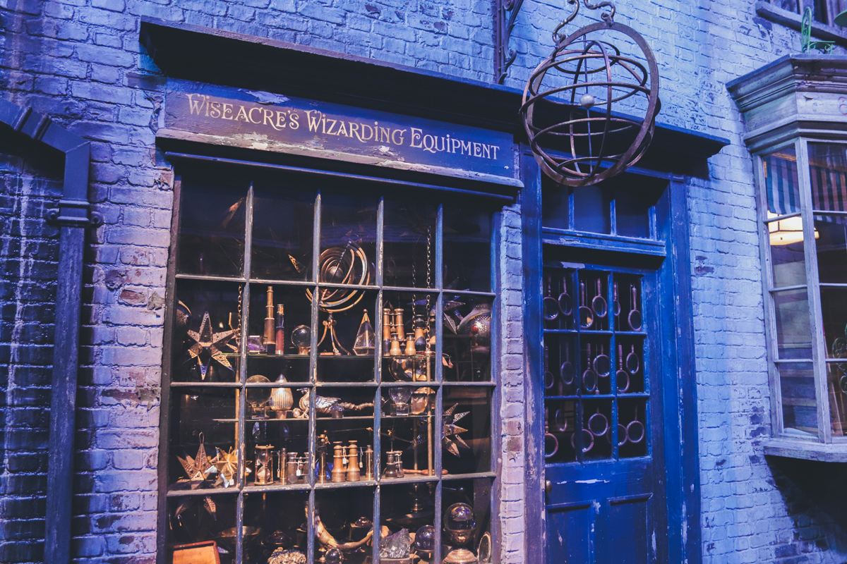 studio harry potter wizarding equipment