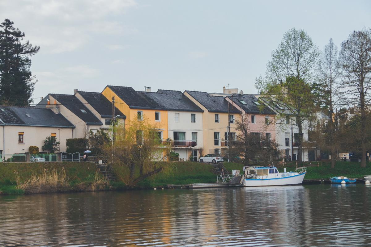 Ruban-Vert-maisons-jaune-rosebis